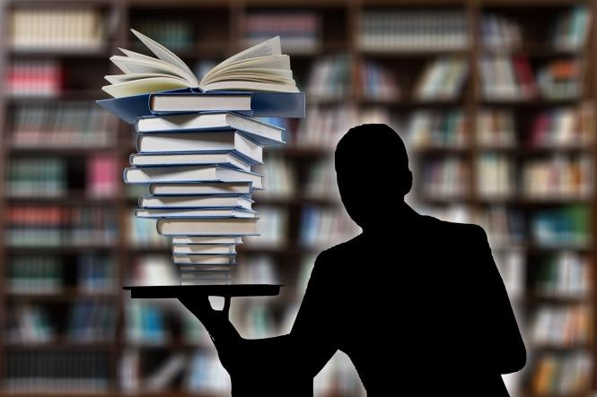 books-3205452_1280