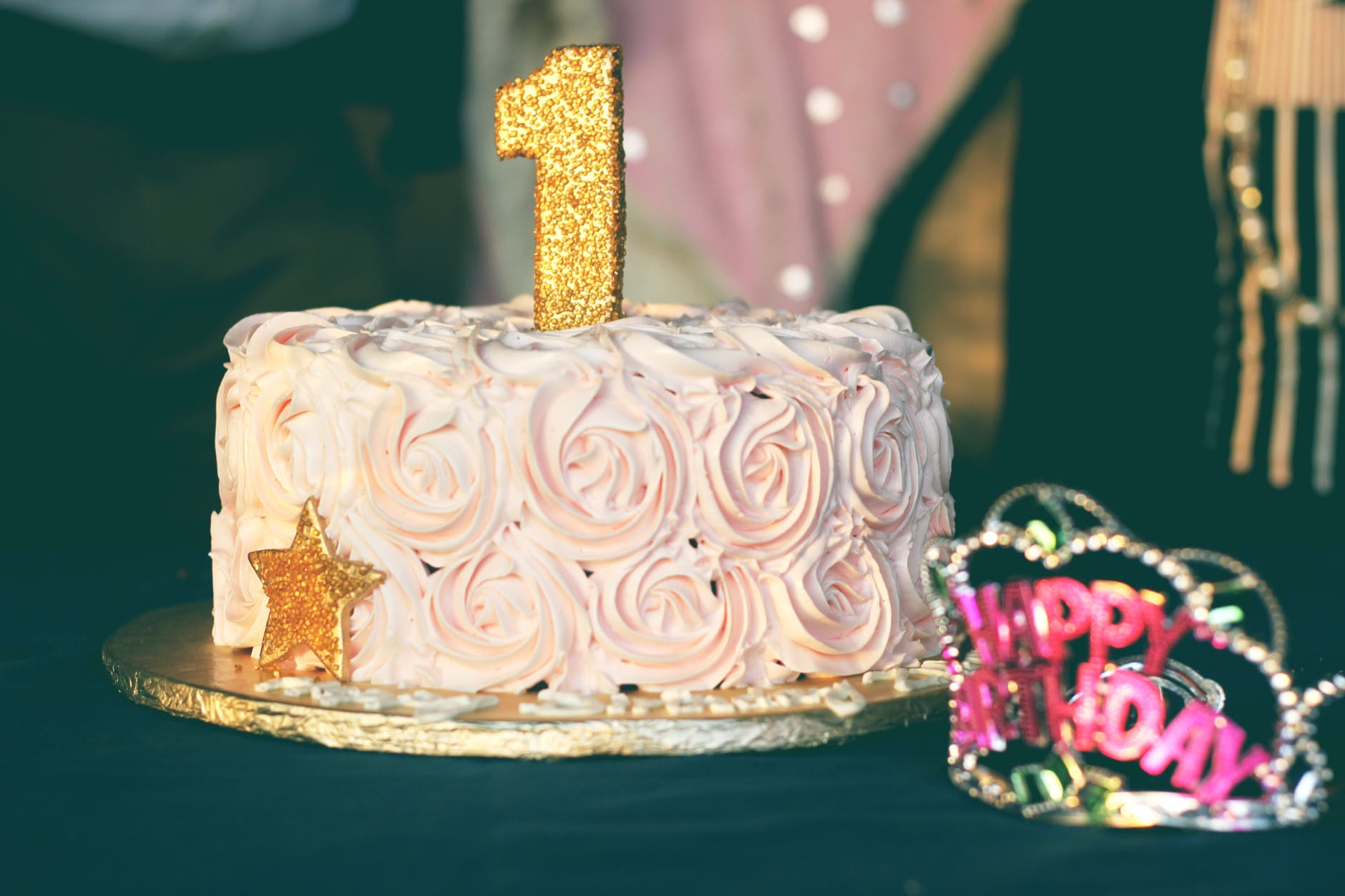 close up photography of pink birthday cake