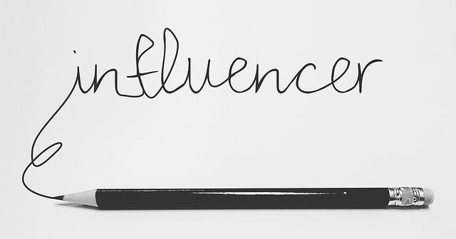 influencers-3151032_640