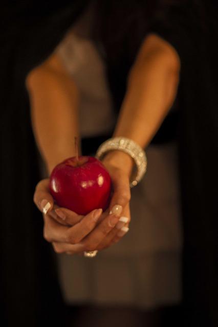 apple-91137_640