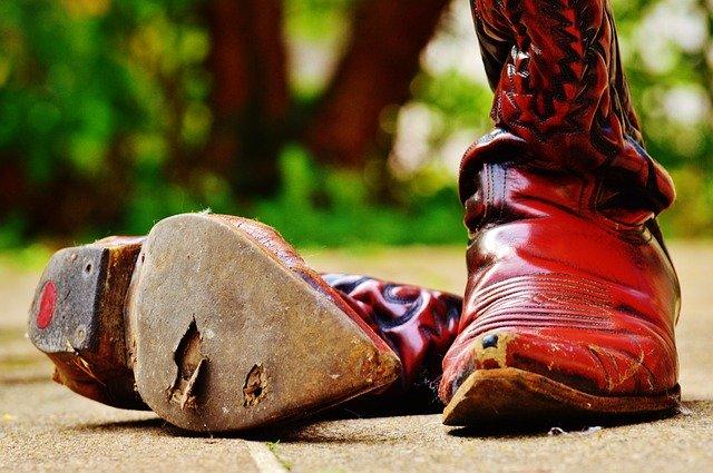 cowboy-boots-974937_640