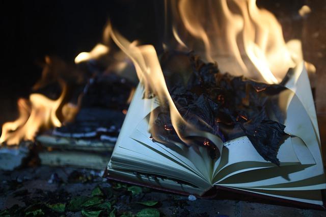 book-4373283_640